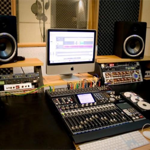 Những thiết bị âm thanh cần có trong studio