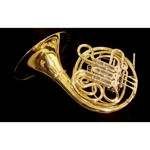 FRENCH HORN VICTORIA