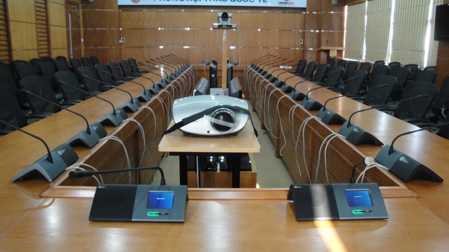 Bố trí thiết bị âm thanh thích hợp cho hội thảo