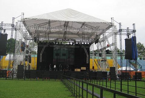 Tuyển chọn thiết bị âm thanh sân khấu ngoài trời